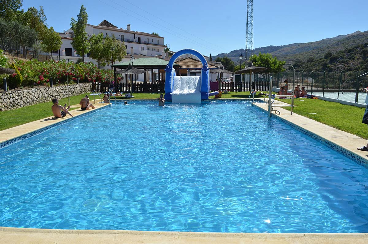 Comienza la temporada de ba os en la piscina municipal de for Piscina municipal