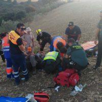 Localizan y rescatan a un parapentista que se estrelló en un sembrado de Montecorto
