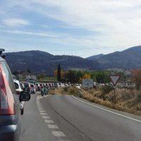 Decenas de conductores sufren prolongadas retenciones de tráfico en la circunvalación por obras de mejora en la calzada