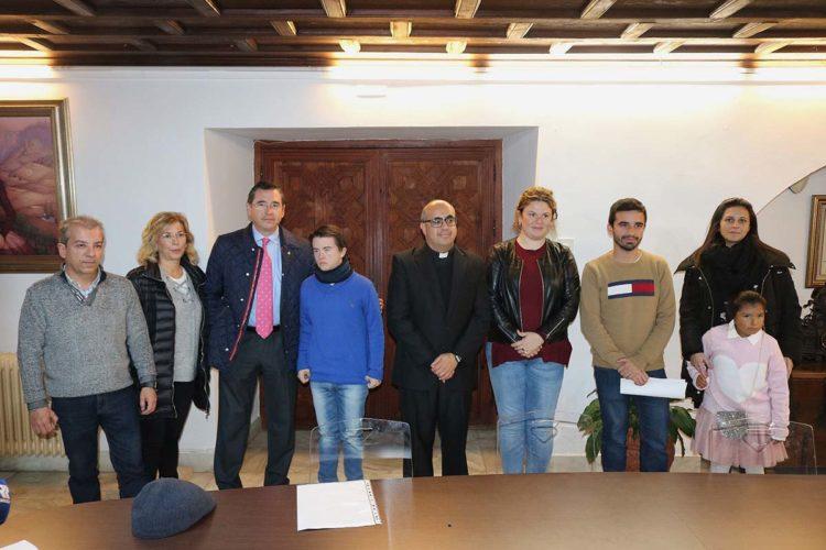 La Fundación 'Clara Eugenia Ropero' entregó sus becas anuales a tres estudiantes rondeños por valor de 9.000 euros