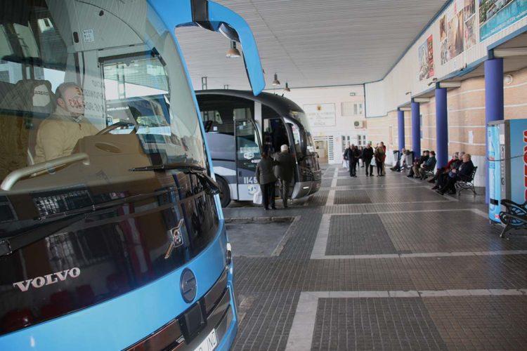 El Ayuntamiento quiere prorrogar la gestión de la Estación de Autobuses con la misma empresa que le debe 28.000 euros por impagos del alquiler
