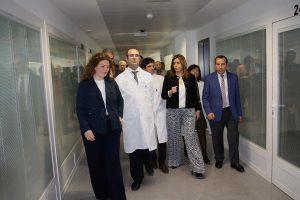 Momento en el que la presidenta de la Junta inauguró el Hospital.