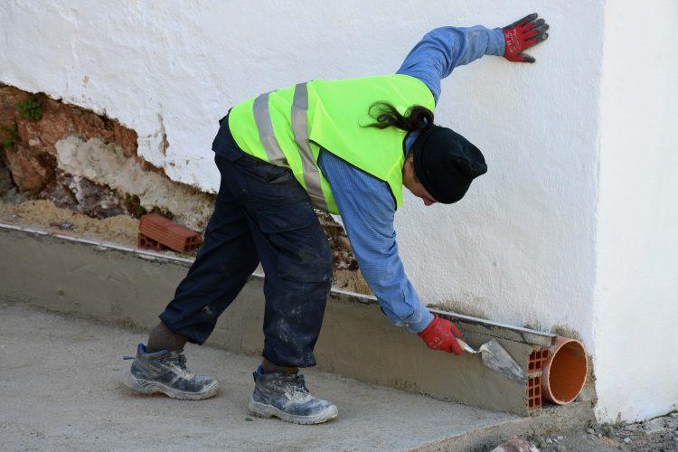 Alpandeire pone en marcha obras para mejorar la accesibilidad en sus calles
