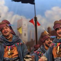 La comparsa rondeña 'Los encantadores' volvió a las tablas del Gran Teatro Falla con una gran actuación
