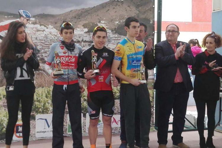 Gran actuación del Ascari-Harman Team en las competiciones ciclistas celebradas en El Borge y en Quéntar