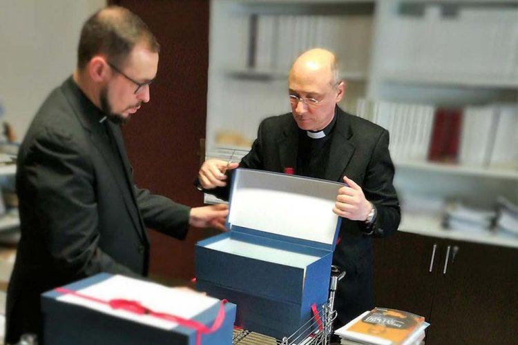 El sacerdote rondeño Salvador Aguilera participa en el Vaticano en el inicio del proceso de beatificación del malagueño José Gálvez Ginachero