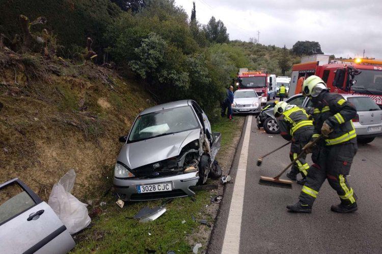 Dos hombres resultan heridos en un accidente ocurrido esta mañana en la carretera Ronda-Arriate