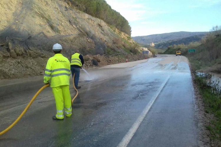 El Consejo de Gobierno andaluz aprueba las partidas para reparar las carreteras A-2300, A-372 y A-374 que sufrieron daños por el temporal