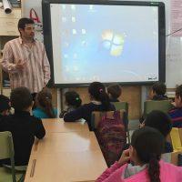 El Área Sanitaria Serranía ofrece talleres sobre higiene postural a los estudiantes de La Cañada del Real Tesoro y de Jimera de Líbar