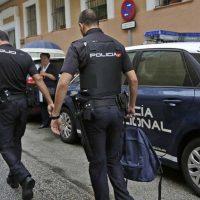 Un agente de la Policía Nacional que se encontraba fuera de servicio detiene in fraganti al autor del robo del bolso de una mujer