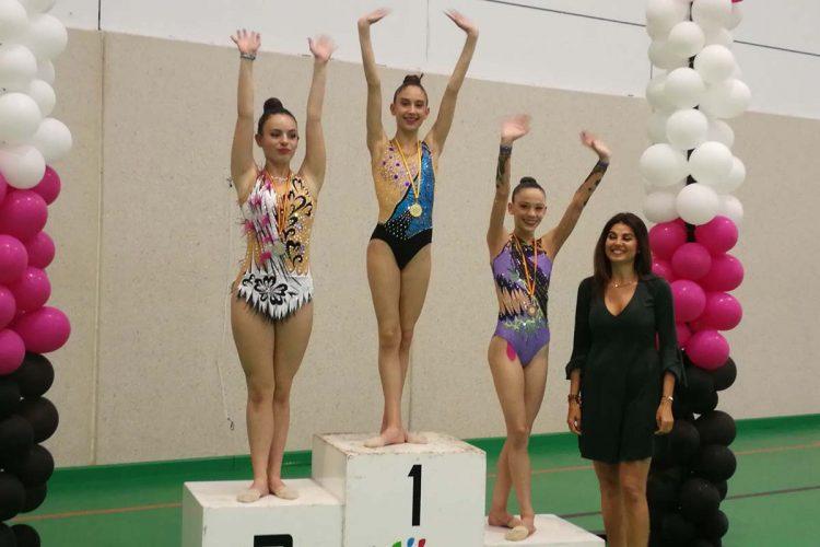 Las gimnastas del Club AGRA logran ocho medallas en el Torneo Villa de Mijas