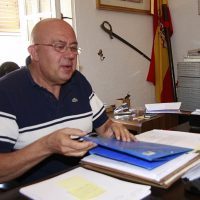 La juez archiva la denuncia que presentó el PSOE contra el ex alcalde de Cortes de la Frontera, Antonio Granero (PA), por prevaricación y malversación