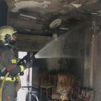 Un incendio provoca importantes daños materiales en una vivienda de la barriada de Las Peñas