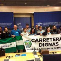 Podemos traslada el mal estado en el que están las carreteras de la Serranía a Bruselas