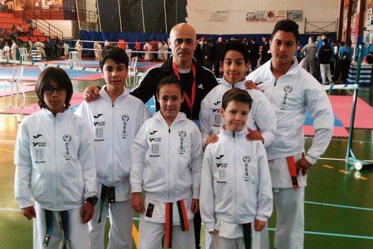 Seis karatecas de la Escuela Seiken participaron en la primera cita de la Liga Provincial celebrada en Coín