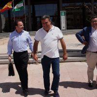 El alcalde de Pujerra declara ante la juez por el 'caso Pilonga' en el que está imputado de varios delitos por la Fiscalía Anticorrupción