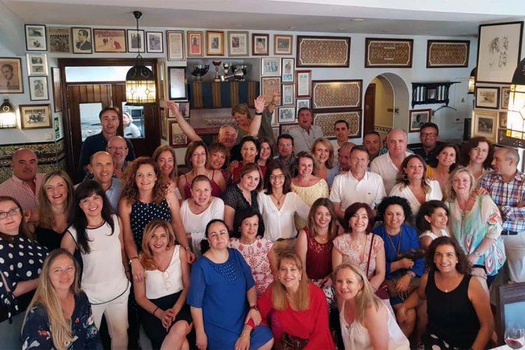 Los enfermeros y enfermeras de la promoción de 1988 de la Escuela Universitaria de Ronda se vuelven a reencontrar 30 años después