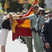 El Tercio de la Legión de Ronda participa en una multitudinaria jura de bandera civil en Marbella