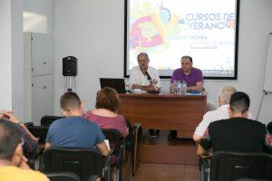 Ponencia de Javier Aroca sobre el centenario de la Asamblea Andalucista.