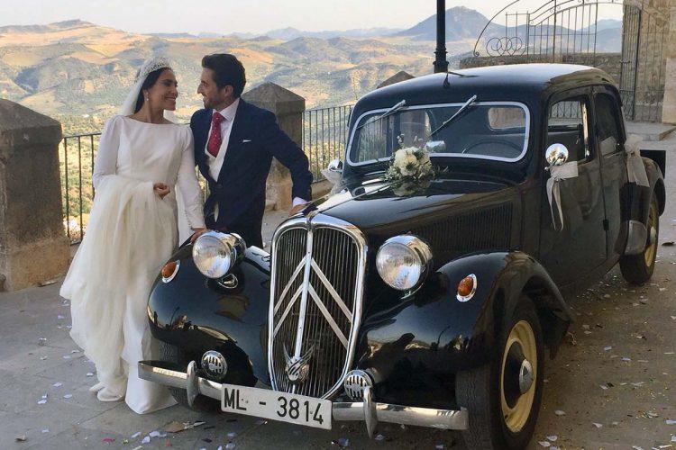 El alcalde de Arriate, Melchor Conde, contrae matrimonio con la olvereña Rosa Toledo