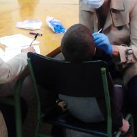 El Área Sanitaria Serranía ha realizado una campaña de prevención en salud bucodental dirigida a menores