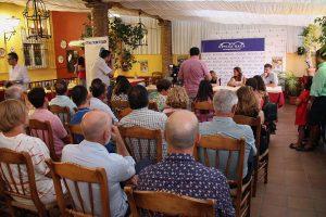 Numerosos aficionados asistieron a la presentación.
