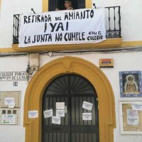 El AMPA del colegio Virgen de la Paz inicia acciones de protesta para reclamar a la Junta que cumpla su palabra y retire el amianto