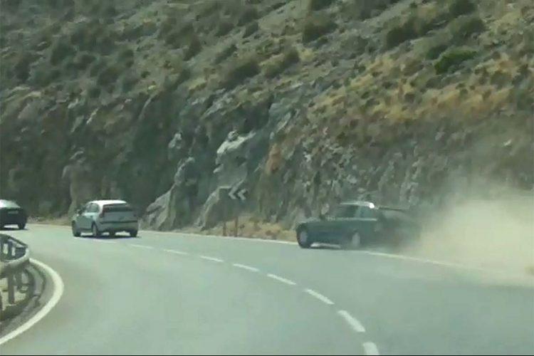 El conductor que circulaba haciendo eses por la carretera Ronda-San Pedro era un holandés que había ingerido unos medicamentos que le dieron sueño