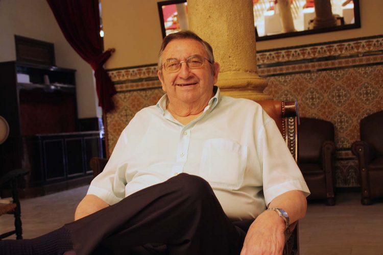 """Juan Harillo, primer alcalde democrático: """"desde que vino el ferrocarril a Ronda a finales del siglo XIX no se ha vuelto a tener otra comunicación en condiciones"""""""