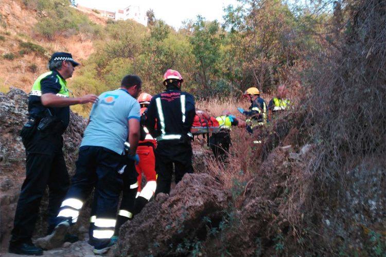 El hombre que sufrió un accidente el domingo en el fondo del Tajo permanece en la UCI del Hospital Carlos de Haya en estado de coma