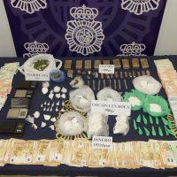 La Policía Nacional desmantela un punto de venta drogas en el centro de Ronda y detiene a cinco personas