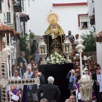 Nuestra Señora de los Dolores recorre las calles de Padre Jesús en el 75 aniversario de su bendición