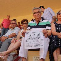 El Tripartito vuelve a gastarse 5.000 euros en pañuelos para regalarlos en los toros durante la pasada Feria