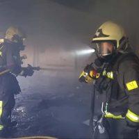 Desalojan a dos okupas de una nave abandonada de la estación de Renfe tras declararse un incendio en su interior