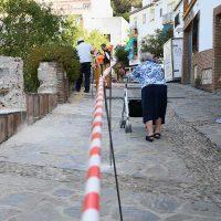 Genalguacil acondiciona y embellece la calle Real, una de las principales vías del municipio