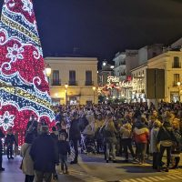 El ambiente navideño llega a Ronda con el encendido del alumbrado artístico