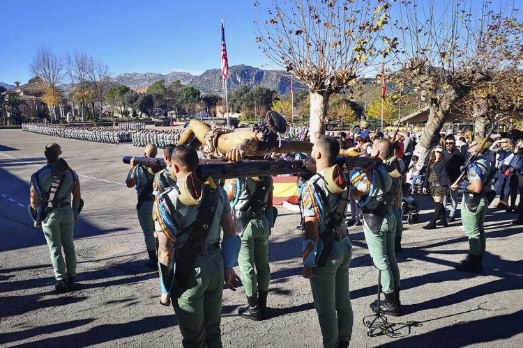 El Tercio de la Legión de Ronda celebra la festividad de la Virgen de la Inmaculada, patrona del Arma de Infantería, con una parada militar