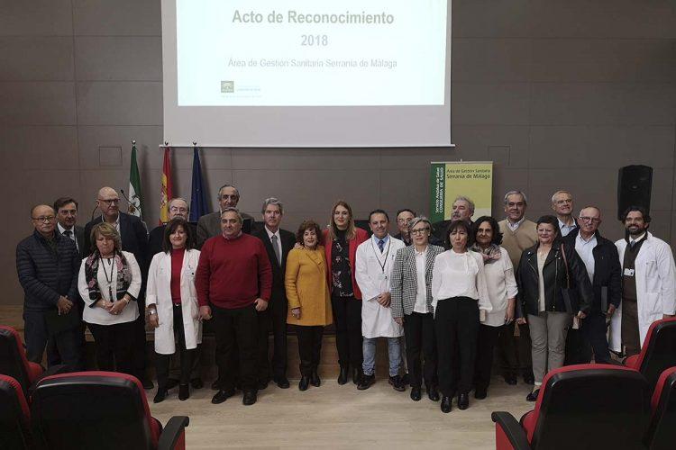 El Hospital de Ronda acoge un acto de homenaje a los 23 profesionales del Área Sanitaria Serranía que se han jubilado