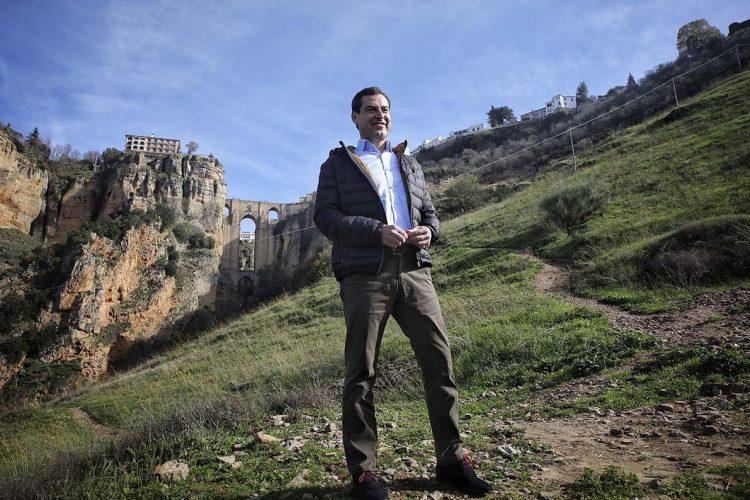 Los compromisos de Juanma Moreno con Ronda: autovía, mejora de las carreteras, más recursos para el Hospital y la rehabilitación del casco histórico