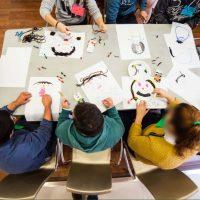 El Club Rotary Ronda entrega a AOPA material especializado para el aula terapéutica compartida de niños y niñas autistas