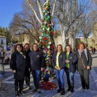 Cuando todo un barrio trabaja unido, nunca se pierden las tradiciones y la alegría de la Navidad