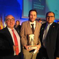 El Grupo Municipal del PP aplaude el reconocimiento del profesor Marcos Naz que hoy ha recibido la 'Bandera de Andalucía' en Málaga