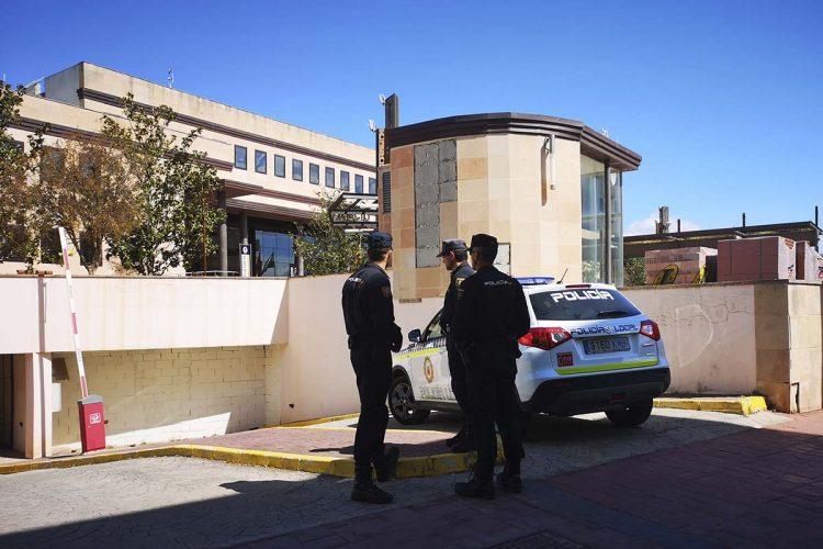 Despliegue policial sin precedentes en Ronda en una operación antidroga realizada en distintas barriadas y con numerosos detenidos