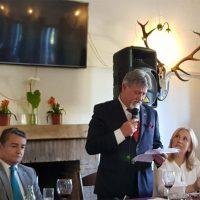 El  ex jefe de la Policía Autonómica andaluza, Gabriel Fernández Rey, recibe el escudo de oro de la Junta de Andalucía tras su jubilación