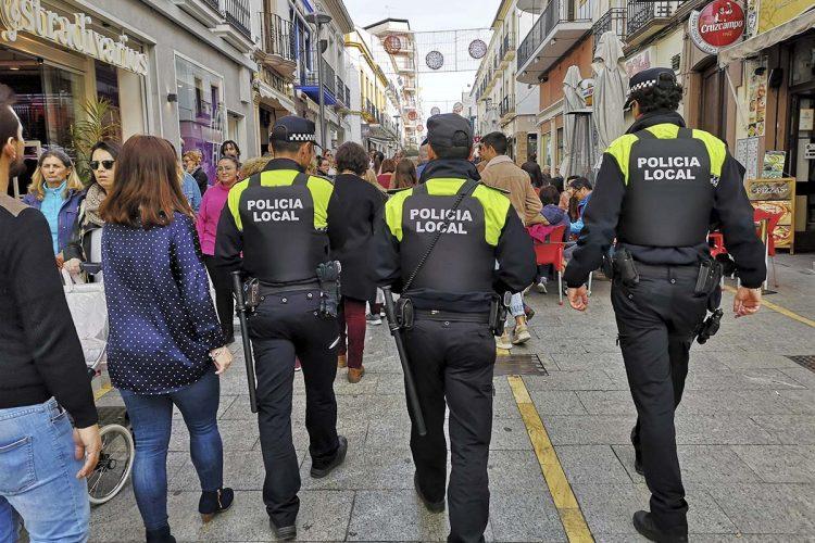 La Policía Local detiene a una carterista por robarle a una mujer los 3.900 euros que llevaba en el bolso