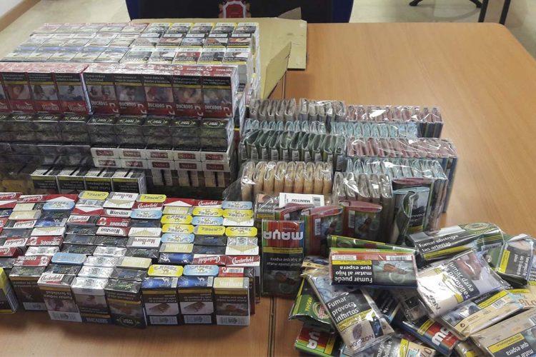 La Policía Local interviene cajetillas de tabaco valoradas en 5.000 euros en un establecimiento que vendía esta sustancia a menores