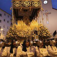 Nuestro Padre Jesús en la Columna y María Santísima de la Esperanza desafían a las nubes y se pasean por las calles de Ronda