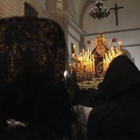 Tristeza en La Merced: una persistente lluvia dejó en el interior del templo carmelita a la Hermandad de la Soledad