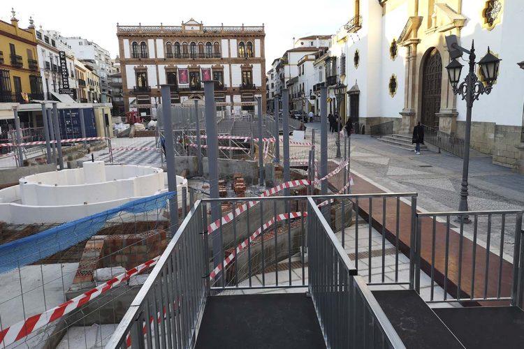 El Tripartito aprobará por vía urgente una modificación de crédito para poder pagar los 120.000 euros que ha costado la tribuna de Semana Santa