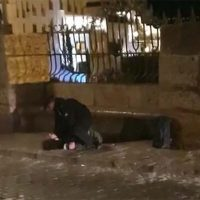 Agentes de la Policía Local evitan que un joven se quite la vida saltando al fondo del Tajo en la noche del Martes Santo